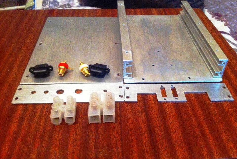 Усилитель для сабвуфера 350 Ватт радиатор 3