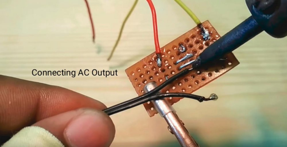 Преобразователь напряжения с 3.7 на 220 вольт