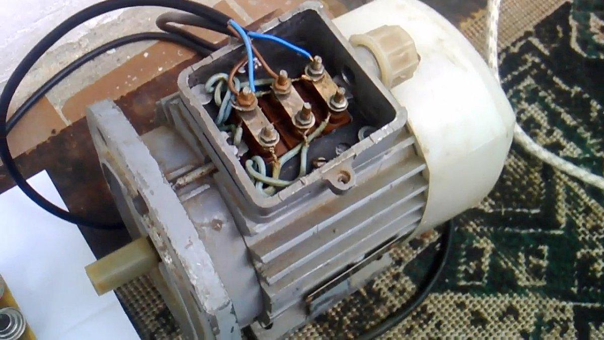 Запуск трехфазного двигателя от однофазной сети без конденсатора